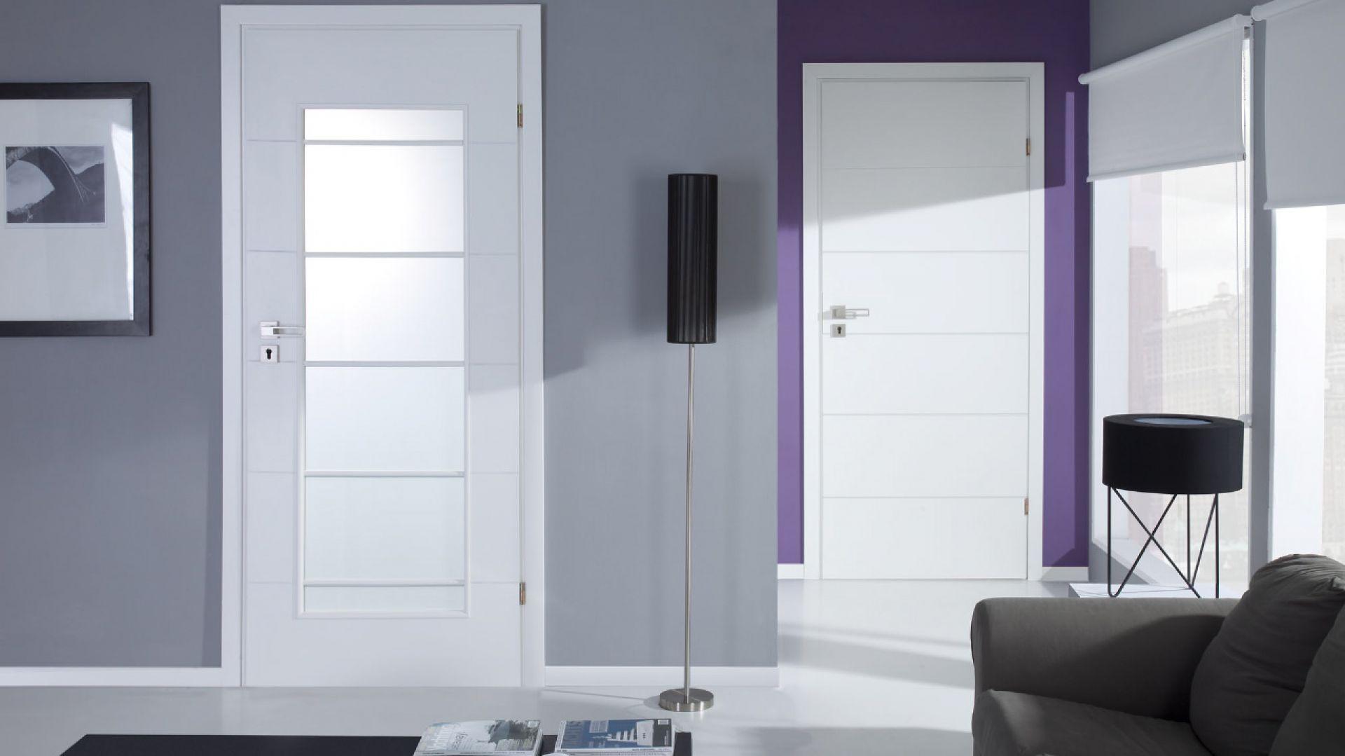 Drzwi wewnętrzne z kolekcji Simple. Fot. POL-SKONE