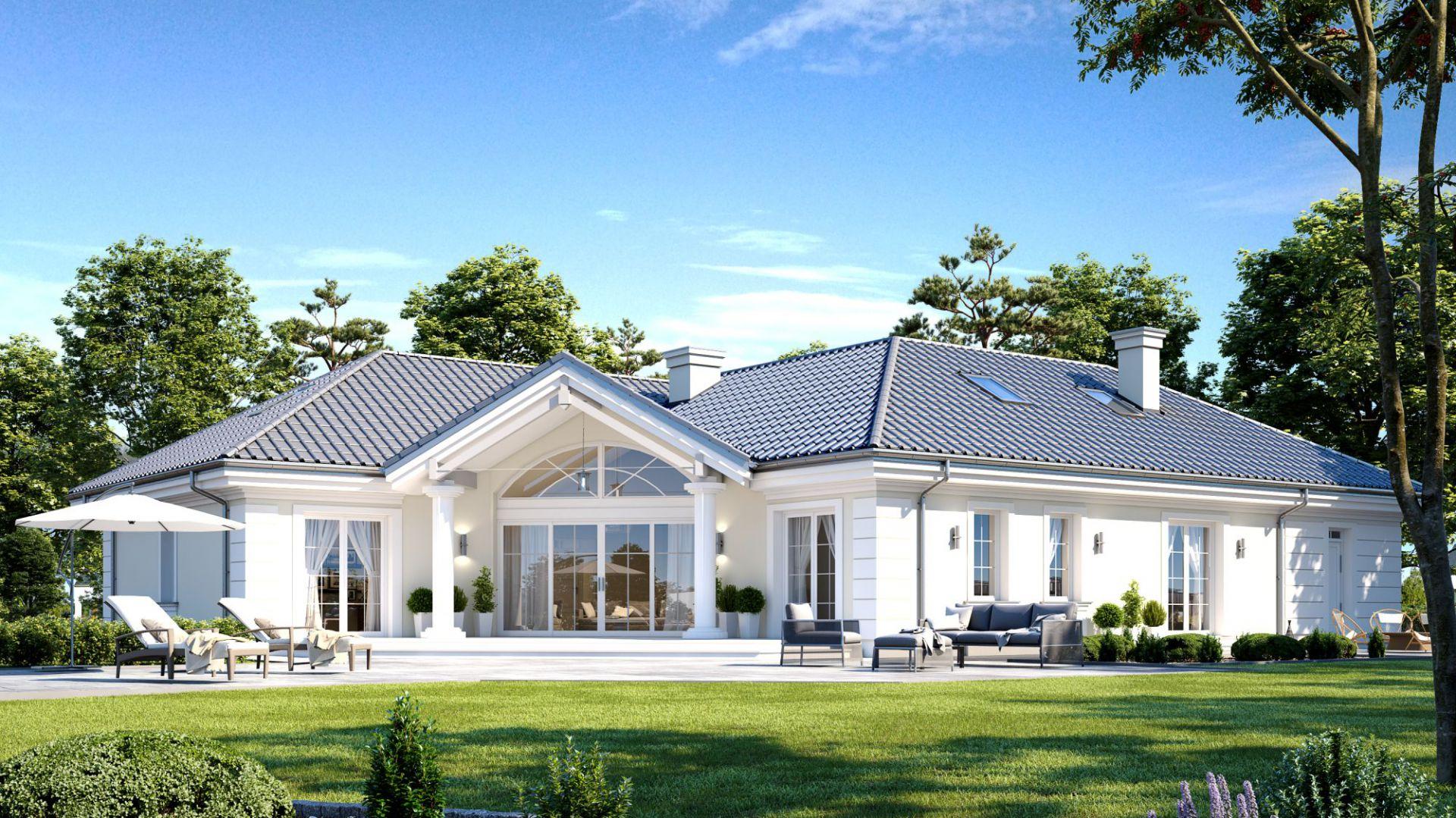 Duże przeszklenia pięknie prezentują się na elewacji domu. Dom Willa Parkowa 6. Projekt: arch. Michał Gąsiorowski. Fot. MG Projekt