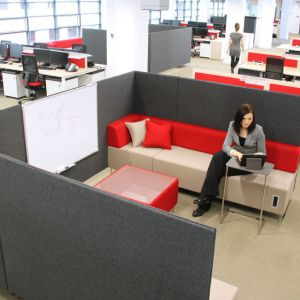 Aranżacja wnętrza w pracy: rozwiązania akustyczne. Fot. Bejot