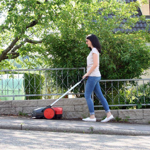Porządki wokół domu: nowa zamiatarka pozwoli łatwo utrzymać czystość