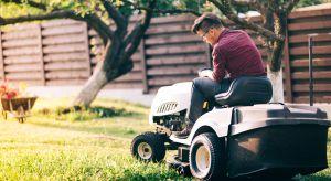 Jest gwarancją sprawnie i skutecznie wykonanej pracy szczególnie dla posiadaczy dużych trawiastych terenów. To kosiarka typu traktorek trawnikowy. Czy wiesz, że można wykorzystać ją także w niekonwencjonalny sposób?