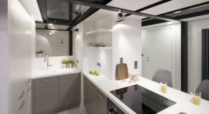 Podczas urządzania małej kuchni często toczy się prawdziwa bitwa o każdy centymetr. Dlatego wybór mebli, sprzętów AGD, a nawet dodatków i akcesoriów musi być dokładnie przemyślany.