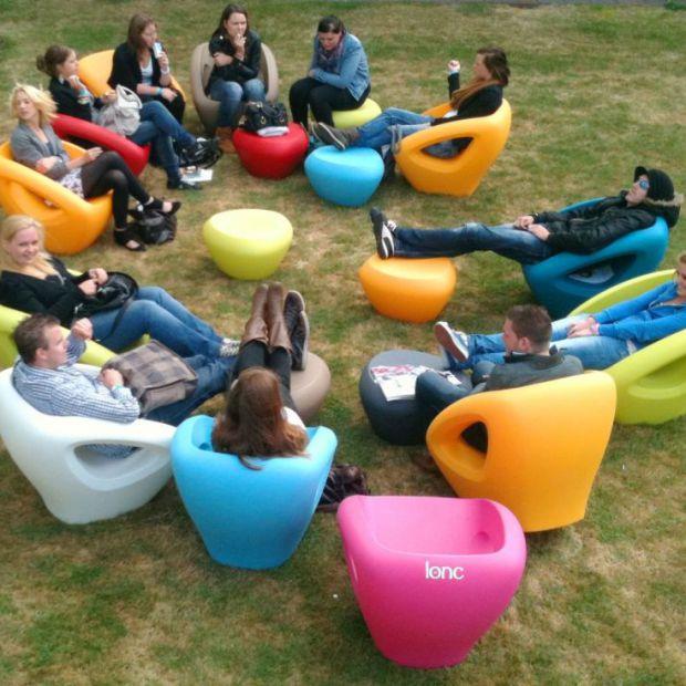 Fotel do ogrodu lub na balkon: wygodny, elegancki i praktyczny