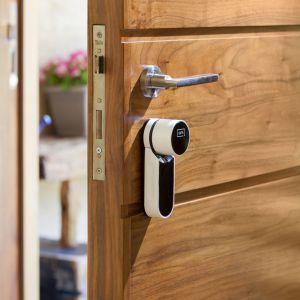 Inteligentne urządzenia domowe. Zamek ENTR. Fot. Assa Abloy