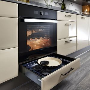 Nowoczesne rozwiązania do przechowywania w kuchni. Fot. Black Red White