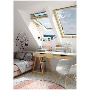 Okna na poddaszu powinny zapewniać odpowiednią ilość naturalnego światła. Fot. Okpol