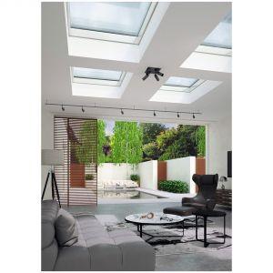 Okno do dachów płaskich PGX A1 zostało w wielokomorowe profile z twardego PVC z komorami wypełnionymi pianką poliuretanową o niskim współczynniku przewodzenia ciepła i wysokiej odporności na działanie czynników atmosferycznych. Fot. Okpol