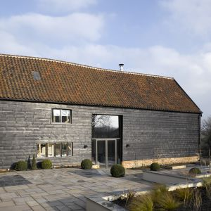 Chantry Farm Barn. Projekt: Robin Bertram; Hudson Architects. Fot. James Brittain