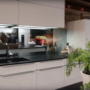 Inteligentne lustro w kuchni. Fot. Pilkington