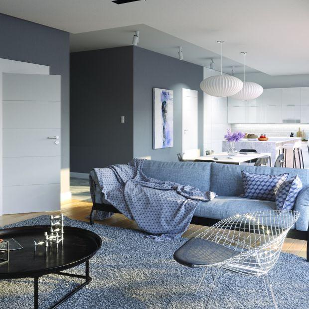 Drzwi w salonie - jasne kolory powiększą wnętrze