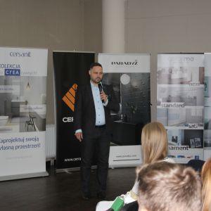 CREA - nowe możliwości i nowe technologie w ceramice sanitarnej. Prezentacja Partnera Głównego Cersanit. Prowadzący Piotr Wychowaniec.  IMG_7734.JPG