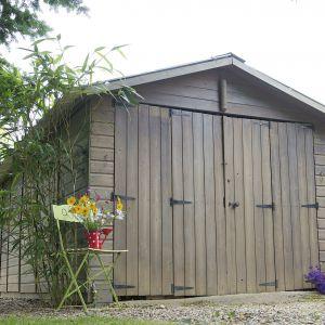 Zabezpieczenie drewna w ogrodzie. Lazura Współczesna Polski Klimat. Fot. V33