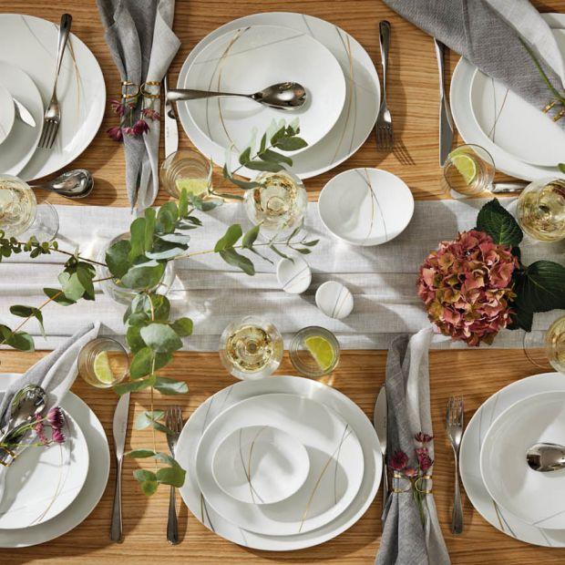 Piękna porcelana - pomysły na letnią aranżację stołu