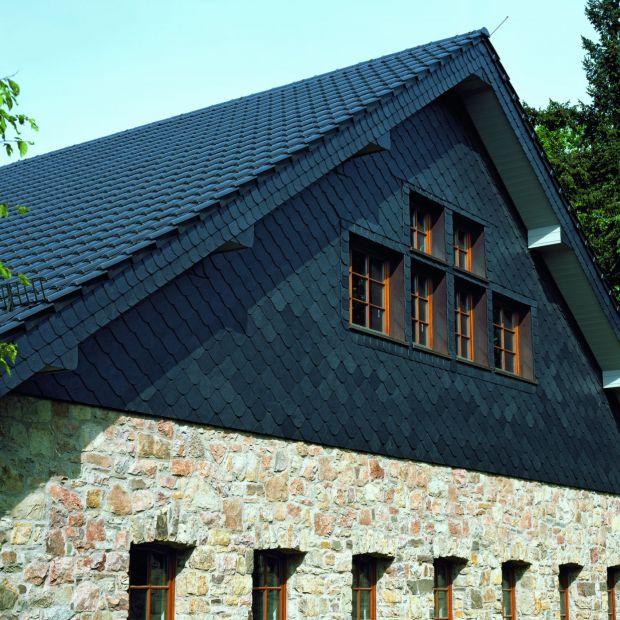 Pokrycia dachowe – nowy kolor dachówki ceramicznej