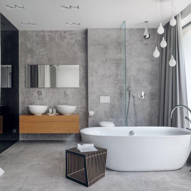 W kontakcie z naturą - łazienka przy sypialni