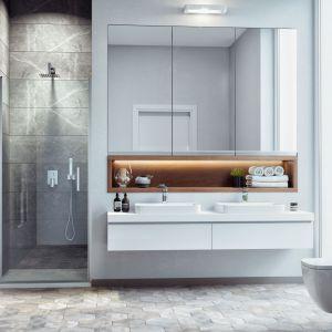 Wykonane z hartowanego szkła o grubości 6 mm, pokrytego powłoką Clean – Control, drzwi wnękowe Mazo uchylają się do wewnątrz i na zewnątrz. Dostępne w rozmiarze: 80x195 i 90x195 cm. Fot. Excellent