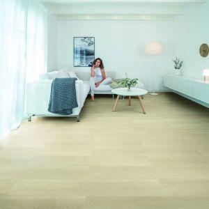 Nowoczesna podłoga - panele winylowe Wineo 400 wood dekor inspiration oak clear. Fot. Wineo