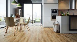Punktem wyjścia przy urządzaniu każdej kuchni jest wybór okładzin ściennych i podłogowych. W małej kuchni powinny nie tylko dobrze się prezentować, ale też optycznie powiększać wnętrze.