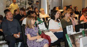 W poznańskim Hotelu Altius 6 czerwca br. odbyła się kolejna odsłona Studia Dobrych Rozwiązań. Przybyli na spotkanie architekci wysłuchali kilkunastu merytorycznych prezentacji przygotowanych przez partnerów wydarzenia.