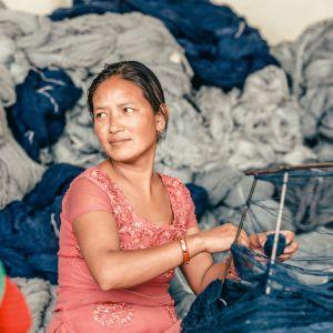 Luksusowe dywany marki Golran - produkcja w Nepalu. Fot. Mood