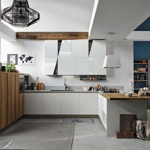 Kuchnia z programu Infinity ma kształt litery U, która zapewnia maksimum wygody przy wykonywaniu codziennych prac kuchennych. Dostępna w ofercie firmy Stosa Cucine. Fot. Stosa Cucine