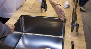 Sink MF to rozwiązanie jeszcze do niedawna niemożliwe do zastosowania dla wiórowych blatów laminowanych, które są użytkowane w zdecydowanej większości naszych domów. Dziś, dzięki nowoczesnym technologiom, wysokiej jakości materiałom oraz odp