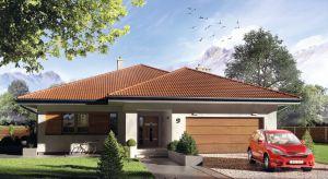 Decyma 6 to projekt nowoczesnego domu idealnego dla 4-5-osobowej rodziny. W bryle budynku zaprojektowano dwustanowiskowy garaż.