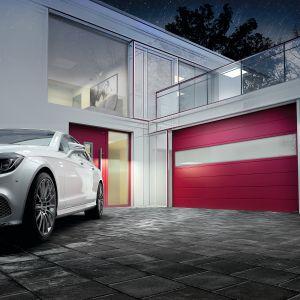 Nowa generacja bram garażowych Prime z panelem Innvo 60 mm to efekt wizji doskonałej bramy, łączącej nowoczesną technikę,jakość, bezpieczeństwo i wyjątkowe wzornictwo. Dostępna w ofercie firmy Wiśniowski. Fot. Wiśniowski
