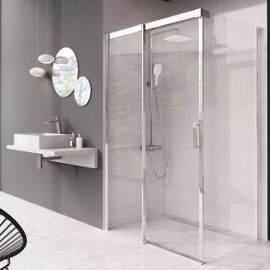 Matrix MSDPS – połączenie przesuwnych drzwi ze ścianką stałą; profile aluminium w wykończeniu chrom. Fot. Ravak