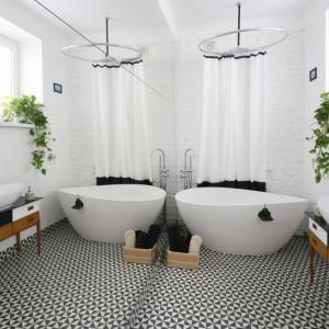 Wygodna łazienka. Projekt: Ewelina Pik. Fot. Bartosz Jarosz