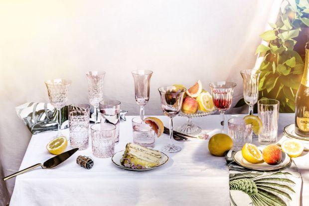 Letnie przyjęcie - piękna kolekcja kryształowych naczyń