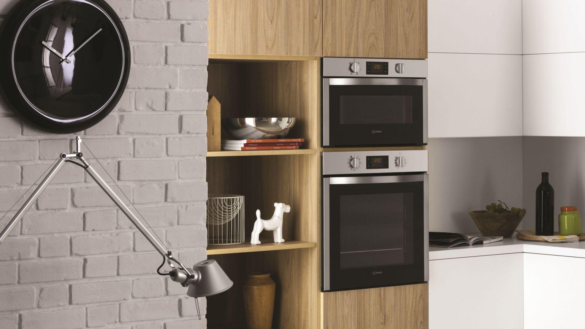 Design rodzinnej kuchni - funkcjonalny i estetyczny. Fot. Indesit