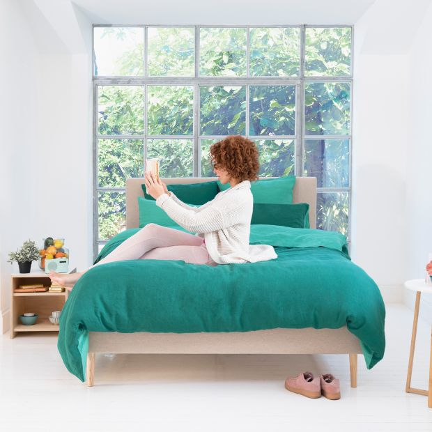 Sypialnia na lato - kolorowe zestawy pościeli lnianej