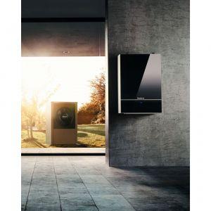 W skład pompy ciepła typu powietrze/woda wchodzi jednostka zewnętrzna i wewnętrzna. Fot. Bosch