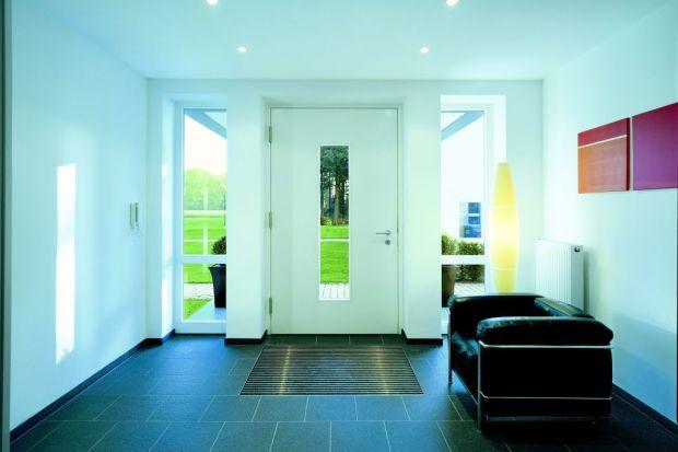 Czytnik linii papilarnych lub RFID, pilot, klawiatura numeryczna czy system elektronicznej kontroli dostępu coraz częściej zastępują tradycyjny klucz otwierający nasze drzwi.