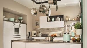 W kuchennym wzornictwie prym wiodą dwa nurty: elegancka klasyka i oszczędny w formie minimalizm. Dla tych, którzy nie mogą zdecydować się na jeden z nich, alternatywą może być eklektyczna mieszanka obu stylów.