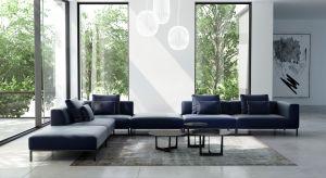 Gdyby próbować ubrać w słowa styl dominujący w kolekcjach Adriana Furniture, należałoby powiedzieć, że jest to funkcjonalny minimalizm. I mimo, że produkowane przez firmę meble są bardzo nowoczesne w formie, nadal czerpią z najlepszych meblar