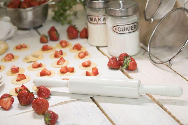 Sezon na pierogi z owocami - praktyczne akcesoria kuchenne
