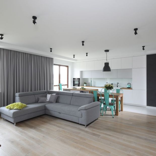 Przestronne, jasne mieszkanie - wnętrze dla rodziny