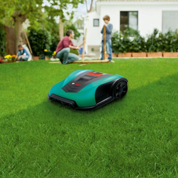 Koszenie trawy – postaw na dobrą kosiarkę
