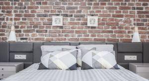 Generalny remont mieszkania w starej kamienicy nad Motławą pozwolił odnowić wnętrza i na nowo odkryć ich duszę. Dzięki połączeniu odrestaurowanych i zupełnie nowych elementów wystroju, stworzono apartament w stylu industrialnym.
