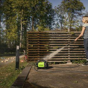 Piękny taras - dbamy o jego czyszczenie i konserwację. Fot. Greenworks/Lange Łukaszuk