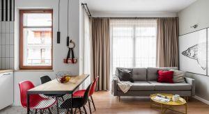 Funkcjonalne i komfortowe mieszkanie urządzone na wynajem, wzbogacono o elementy loftowe, które nadały mu bardzo ciekawy wygląd i niepowtarzalny klimat.