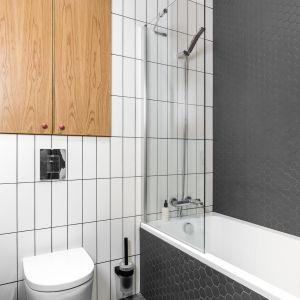 Małe mieszkanie w loftowym stylu. Projekt: JT Grupa. Fot. Foto&Mohito