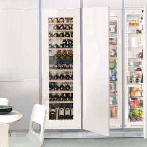 Chłodziarka IKB 3560 Premium z innowacyjnym SoftSystem, który delikatnie zamyka drzwi chłodziarki nawet przy ich pełnym załadowaniu. Fot. Liebherr