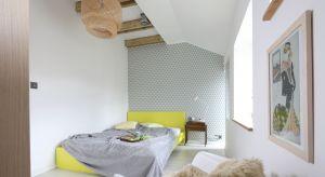 Jak modnie i wygodnie urządzić małą sypialnię? Zobaczcie, jak z pomocą architektów zrobili to inni.
