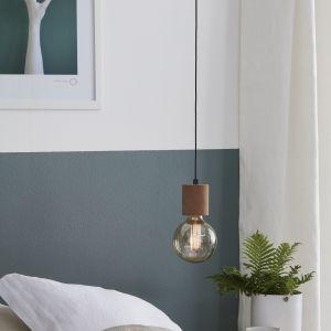 Oświetlenie w sypialni - modne rozwiązania.  Fot. Markslöjd