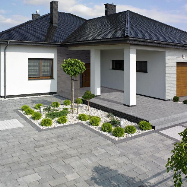 Nawierzchnie ogrodowe - jak wybrać kostkę brukową