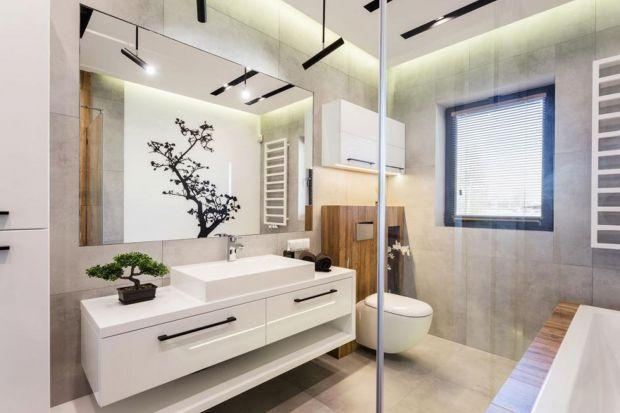 Kąpiel pod drzewem - piękna łazienka