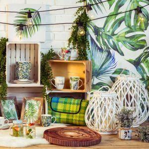 Motywy roślinne, ananasy czy flamingi królują w tym sezonie zwłaszcza w dodatkach dekoracyjnych. Fot. Agata Meble